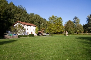 Vista de los jardines situados en la entrada a Bertiz