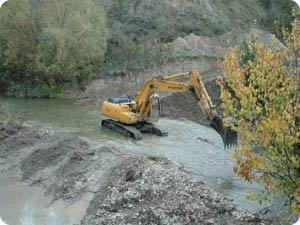 Destrucción del río Arga por el parque fluvial