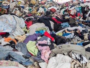 Vertido de ropa en Ziordia