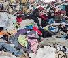 Gurelur responsabiliza al Gobierno de Navarra de haber convertido la Sakana en el vertedero ilegal de ropa proveniente de la zona de Tolosa